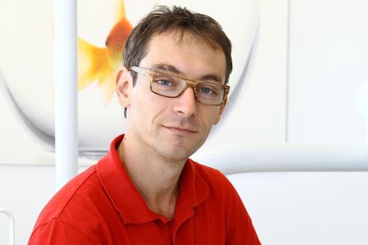 Zahnarzt Dr. Martin Jendrek - Spezialist für gesunde Zähne.