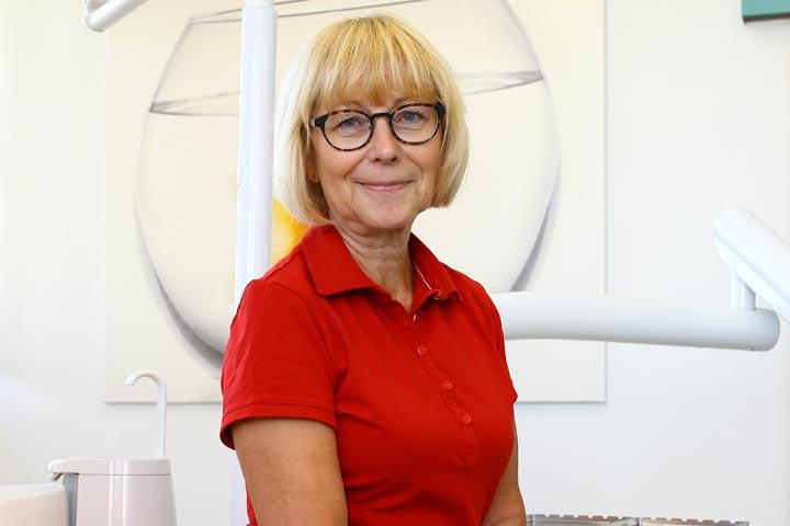Zahnärztin Rosemarie Jendrek - Mehr als 30 Jahr Berufserfahrung in Jena.