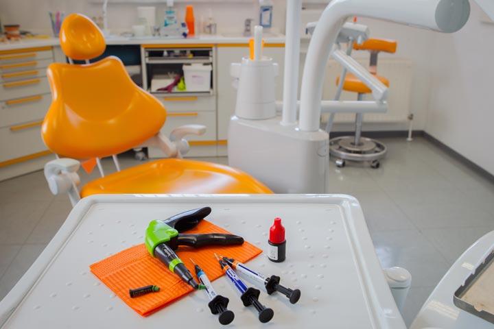 Notfall in Jena - wir helfen Ihnen rund um Ihre Zähne.
